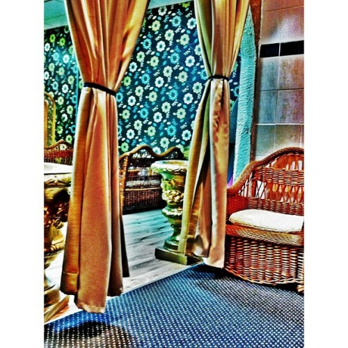#mamaputts #restaurant #curtains #drapes #wicker #chair #Gold #pot #instagramhub #instapop #igdaily #ig #igers #photooftheday #iphone4 #iphonepgraphy  by fizzel_castro http://instagr.am/p/U1N9x/ liked by @wickerparadise, the wicker furniture experts!