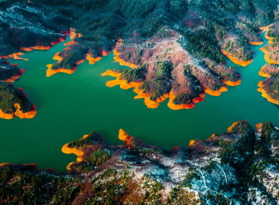 Shasta Lake from air by Vassili Broutski