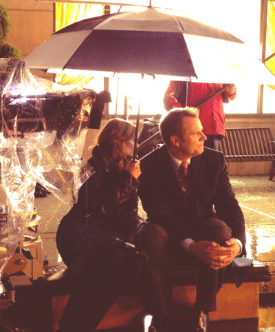 "breathlifein:  @AndrewBikichky:"" Ep513 @Stana_Katic and Jack Coleman share an umbrella while providing an off camera eyeline for the other actors pic.twitter.com/28cQtG9v"" (x)"