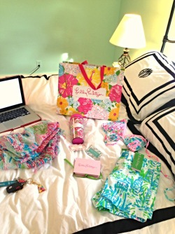 suntanintexas:  I love the comforter more than the Lilly on it.