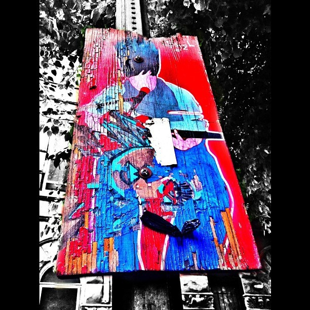 Street Art. Two of my favorite things art and music. Or is that one thing? #instahfc #art #picoftheday #blackandwhite #color #editsrus #morethanoneapp #whatappisthat #benhagetsbusy