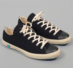 wantering:  Shoes Like Pottery Low Top Vulcanized Sneakers