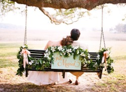 uniqueweddingdecor:  Just married.