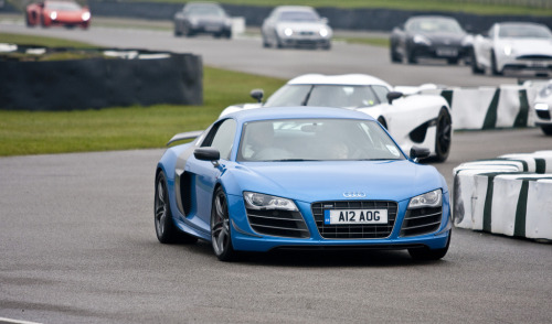 Beauty contest Starring: Audi R8 GT (by jasoncornish)