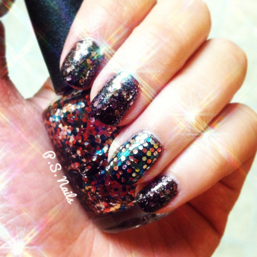 New Year's Eve glitter nails from yesterday! Good luck in 2013!!