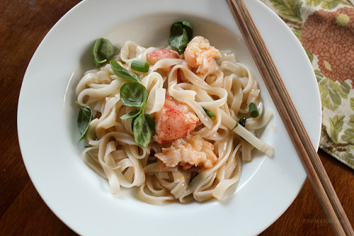 fattributes:  Lobster Noodle with Hot and Spicy Scallion Butter