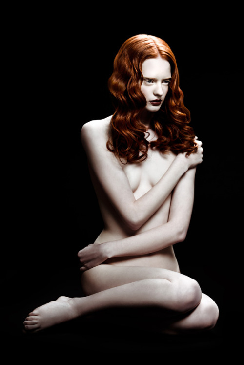Slave Magazine sits down with Jingna Zhang to talk about her inspirations as a photographer and how she brings fantasy and magic into her art. http://bit.ly/14Ob8Fi