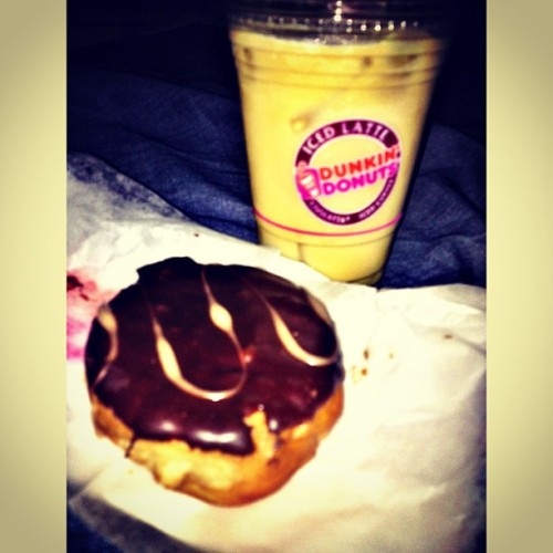 In the mood.. #donut #icedcoffee #coffee #dunkindonut #dd #nutellakreme #nutella #sweets #foodporn #igers