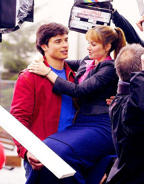 Behind the Scenes: Tom Welling & Erica Durance