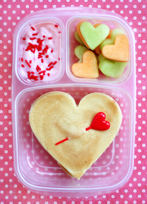 buzzfeedfood:  44 adorable Valentine's Day treats to make for your main hang