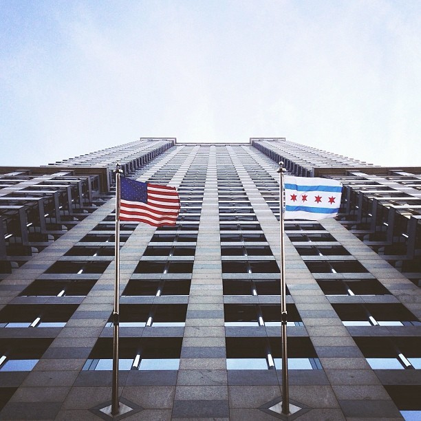 So this happened… #lookingup #architecture #chicago #chitecture #igerschicago #design #instafocus #picfx  (at Chicago River)