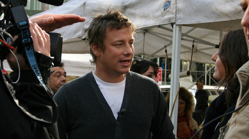 Jamie Oliver's Food Revolution Day Do you know how to cook? If your skills stop at boiling pasta, don't feel bad. According to a recent survey, 28% of Americans have never learned to cook. But, whether you are someone who can't cook because you don't have time or because you were never taught, it can have negative effects on your family's health.