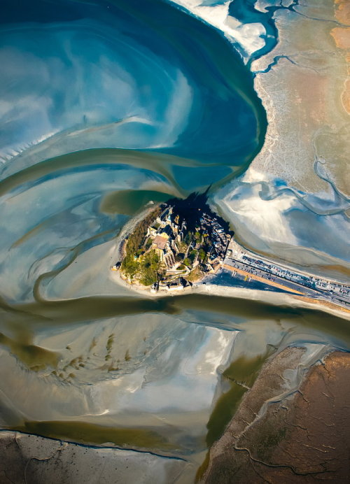 vurtual:  Mont Saint-Michel (by Nicolas Cazard)