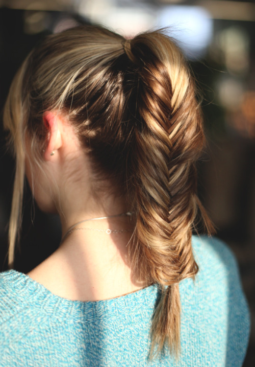 freepeople:  Hairstyle we love: the PonyFish