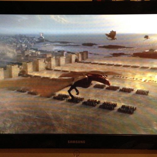Every episode blows my mind. I dream of owning #Dragons ; #GOT #S03E04 #thiseriesmakesmejizz
