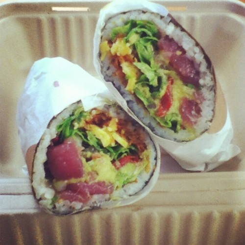 geisha's kiss. @travelerinspace best brother ever (at Sushirrito)