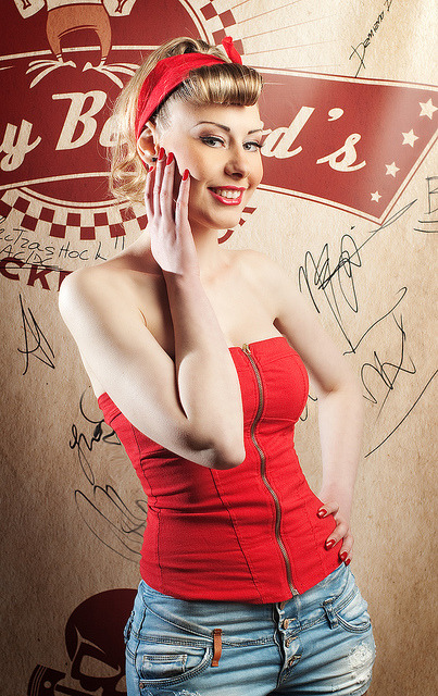 "Pin Up Be Good by phill78 on Flickr.A través de Flickr: Model: Diana Make Up Artist: Agnes Gyongyosi Hair Stylist: Saviola Gurakuqi My Camera Settings: Nikon D200 Nikkor 50mm f/ 1.4 AF D…at f/ 5.6 M.M. Spot E.P. Manual W.B. Manual ISO 100 Shutter Speed 1/125 Strobist Info:  - SB 900 (24mm) on left bounce to 109cm umbrella with black cover at 1/4!                                                                            - YN 560 II (105mm) right behind the model for kick light with a simple diffuser at 1/16! A personal thanks to Cristian (that man www.flickr.com/photos/14337178@N08/2811004770/in/set-7215…) for your beautiful pub so kindly for hosts us…Johnny Be Good's ""Stop Logos Group Please"""