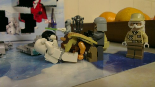 Jar Jar Bunks in orgy shocker! Lego advent calendar fun