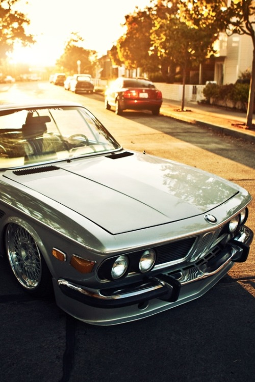 di5gust:  drugera:  BMW E9.  such a beauty