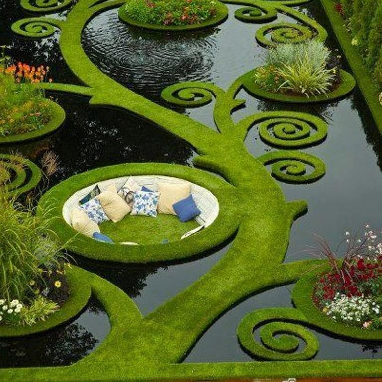 badger-shenanigans:  theblacklacedandy:  funnywildlife:  Award Winning Garden Design By Ben Hoyle  I'M SCREAMING THIS IS SO BEAUTIFUL  hnnng i need it