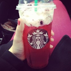 Hell yes. #starbucks #instagood #hibiscus #berry #chicago #saturday