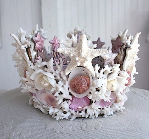 cutiecowbabe:  this is the most beautiful crown i've ever seen!! I wanna make one! !I can too…since it's similar to thinks my granny used to make * * I can totally try this someday!