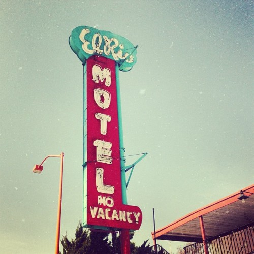 El Rio Motel #losangeles #latergram #latype #latypography #motel #afterlight