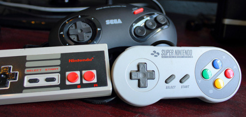 geekylifestyle:  Controllers galore by Les Mellor on Flickr.