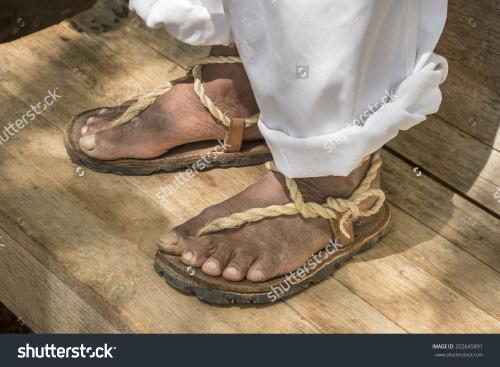 Traditional Alpargatas de Oreja Huaraches, or Eared Sandals from Yucatan made