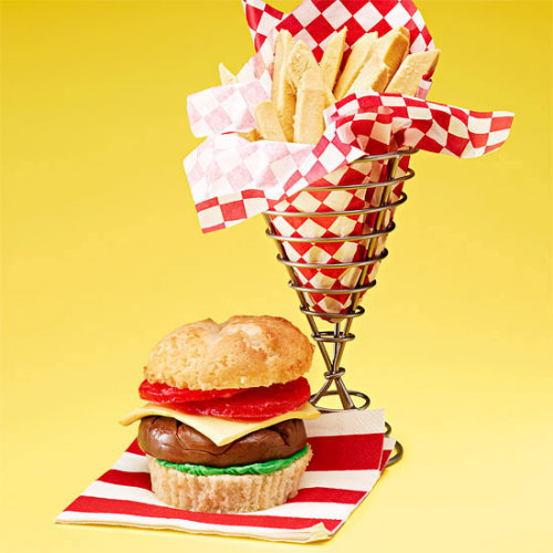 "Daily Bite: Dress up your cupcakes like ""faux fast food!"" Get this cute cupcake decorating idea plus four more here!"