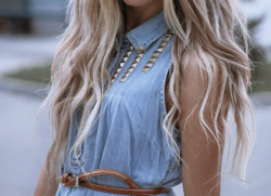 fashion-gallery:  Check out my personal blog: www.iamjennacruz.com ♥