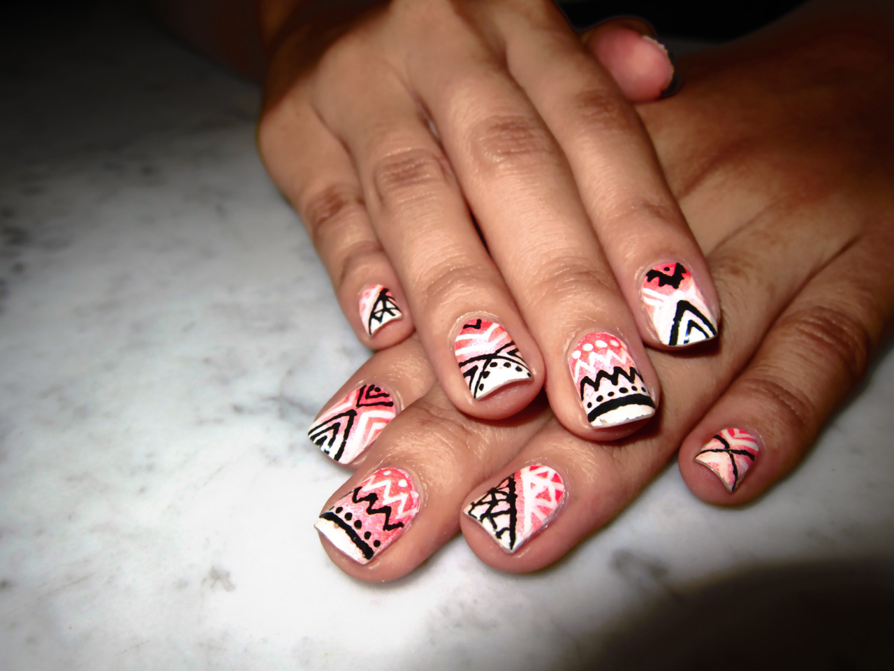 thenailitgood:  A simple pink gradient with a black & white pattern - more photos on my blog!