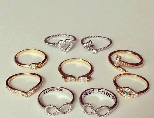 escuchandoacamigritar:  accesorios~ | via Facebook on We Heart It - http://weheartit.com/entry/62199242/via/Caami_23   Hearted from: http://www.facebook.com/photo.php?fbid=478813848879148&set=pb.212433622183840.-2207520000.1369170537.&type=3&theater