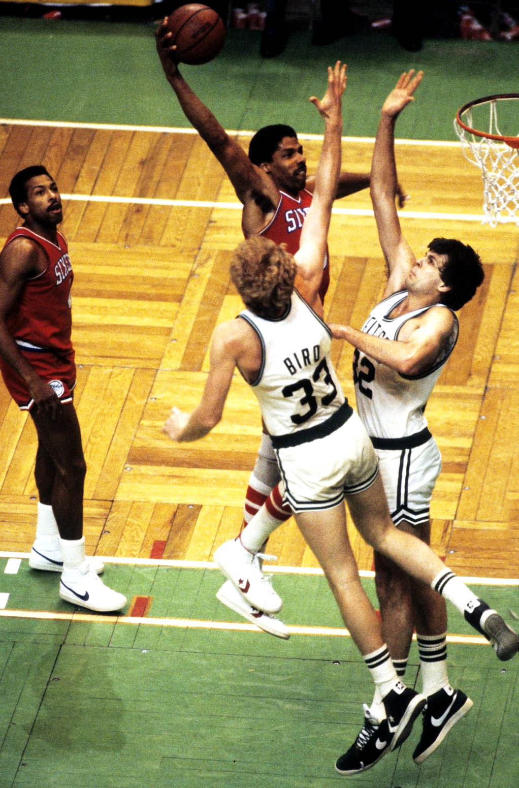 dignifiedking:  gotemcoach:  fatshawnkemp:  Dr. J over Bird and McHale  HOW DID I NOT POST THIS ON MY SITE FIRST!!!!!!!!!!!!!!  on their head!