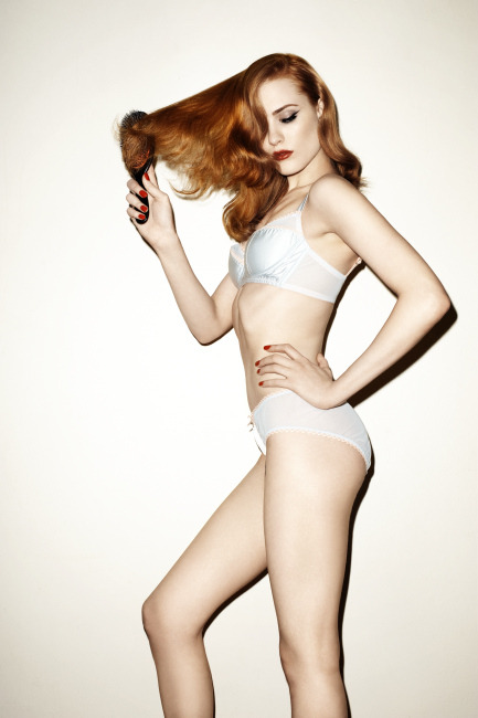 navy-daisies:  evan rachel wood