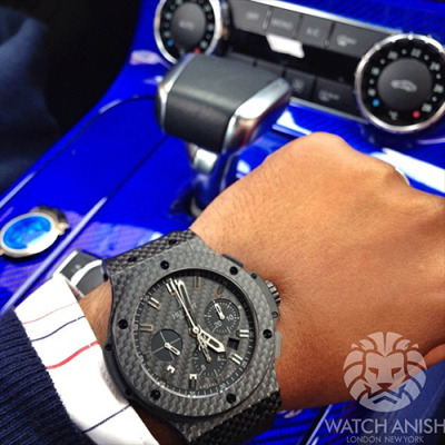 Black carbon fibre x blue carbon fibre. Hublot x SLS AMG. Teaser from the upcoming shoot. Live Feed