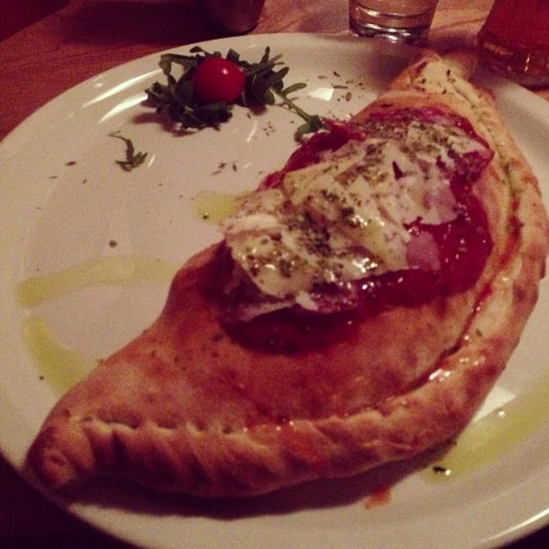 Pre-gig dinner. Enormous Calzone. La Favorita on Leith Walk is my new favourite restaurant. (at La Favorita)