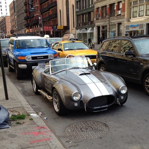 AC Cobra replica in Chelsea #ac #cobra #replica #roadster #v8 #hot #car #classic