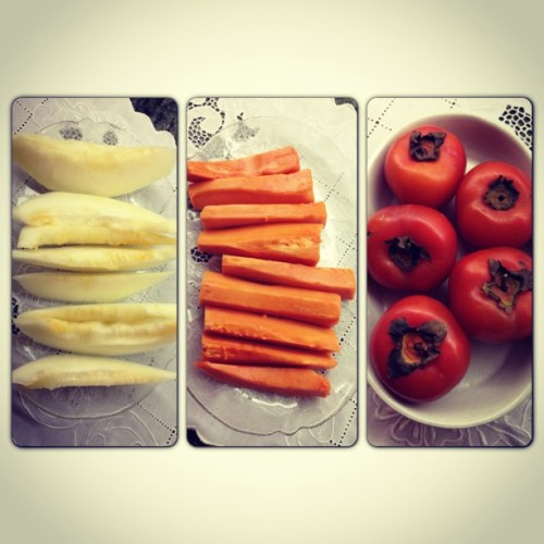 #fresh #fruit #fruits #love #picstich #picoftheday #iphonegraphy #healthy #brazil #brazildoesitbetter #papaya #melon #caqui #geracaopugliesi #tips4life