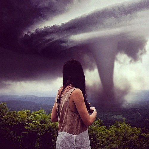 i seriously want a picture with a tornado before i die