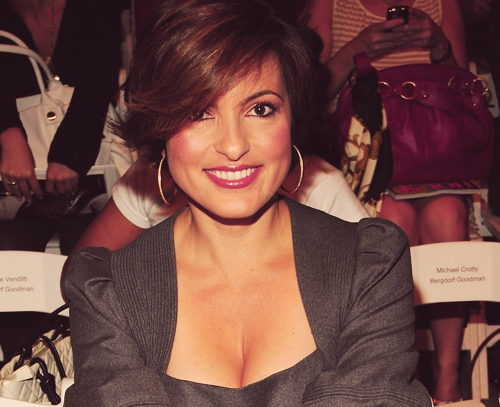 An endless selection of pictures in which Mariska Hargitay is flawless - 15/? ♥
