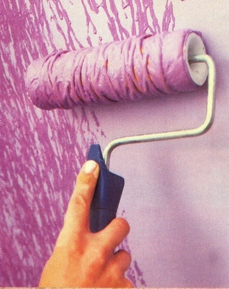 TIPS: Tie yarn around a paint roller for an awesome effect! Cool for an accent wall