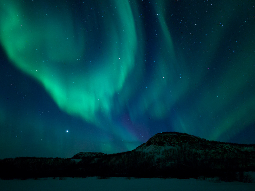 staceythinx:  Auroras don't get much more awe-inspiring than the ones captured by Norseman1968.
