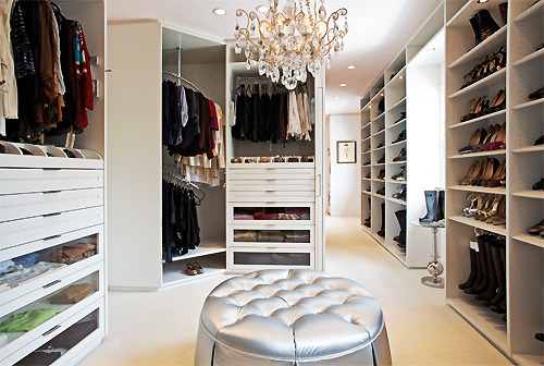 forever-and-alwayss:  dream closet !