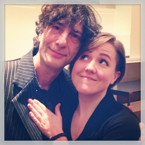 mydrunkkitchen:  Just hanging out with @neilhimself! Watch live http://YouTube.com/vlogbrothers