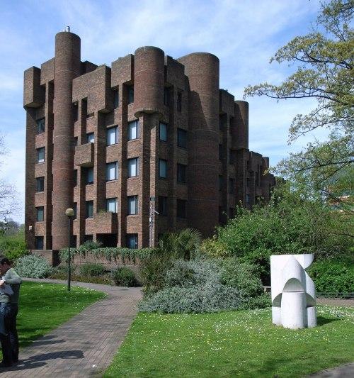 architectureofdoom:  Offices in Lewisham, London, Fredrick Gibberd, 1980-81