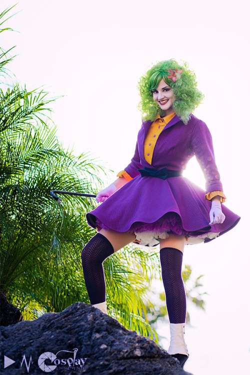 the-grease-painted-lady:  Joker's Wild by *Callesto  es hermosa! <3