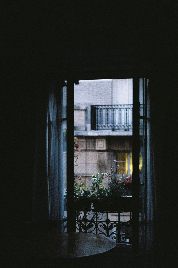 vacants:  (by isabelle bertolini)