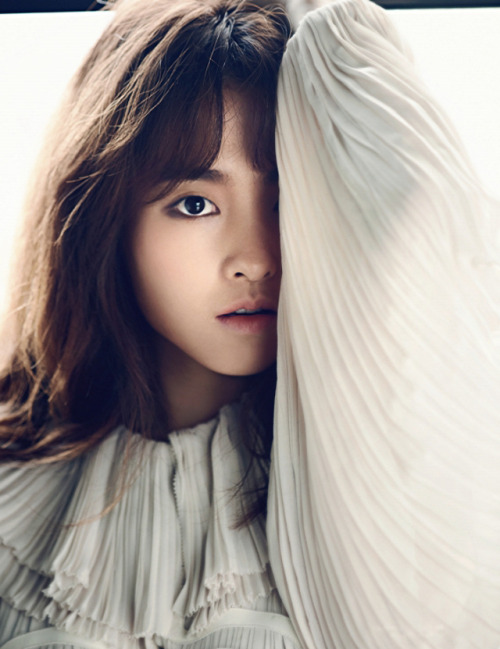fyeahkidolfashion:  Park Bo Young for Harper's Bazaar Korea