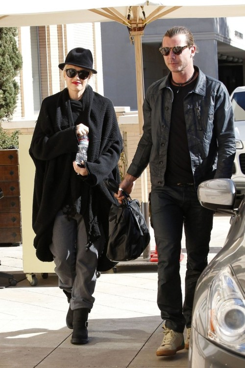 Gwen Stefani and Gavin Rossdale arrive at Barneys in Beverly Hills for a bit of shopping, 17th January 2013.